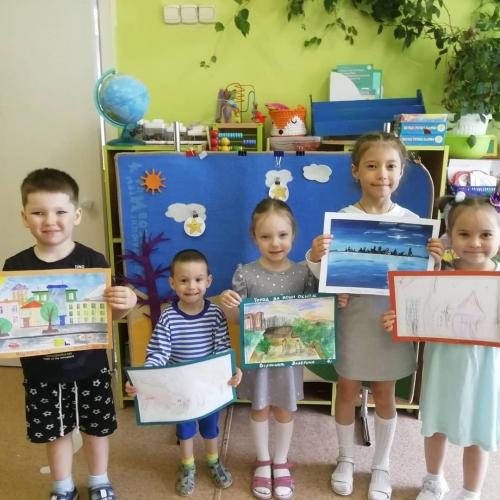 Выставка детских рисунков «Город из моего окна». Данная выставка готовится в рамках городских мероприятий, посвященных Дню города Чита!
