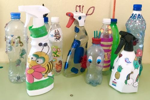 В саду прошла выставка брызгалок сделанных руками детей и родителей!