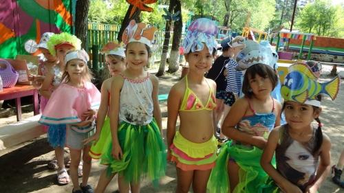 А вот так , весело и шумно, прошел праздник  Нептуна у детей старших групп!