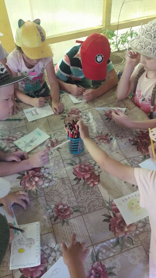 """Книжки- малышки сделали своими руками дети группы № 8 """" Улыбка""""!"""